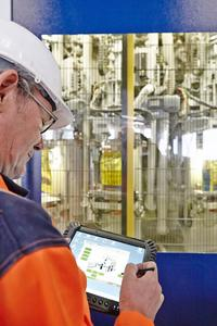Using the HAVER Service Pad with an Internet connection, a remote diagnosis and maintenance of the customer's plant and equipment by HAVER & BOECKER specialists is possible at any time. This leads to reduced downtime and an increased level of machine availability.