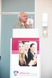 Ebenso als Redner auf dem Symposium vertreten: PD Dr. Josef Hilbert