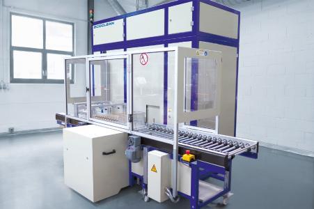 Die kompakte Minio 85C ermöglicht die zuverlässige und wirtschaftliche Entfettung und Reinigung mit nicht-halogeniertem Kohlenwasserstoff zwischen oder nach Fertigungsprozessen (Bildquelle: Ecoclean GmbH)