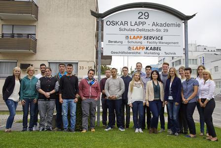 Mit einer Einführungsschulung in der Oskar Lapp Akademie begann der erste Arbeitstag der neuen Auszubildenden bei Lapp