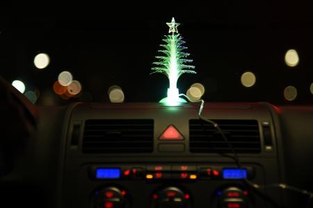 Leuchtet schön – ist aber verboten: Schmuckbeleuchtung im Auto
