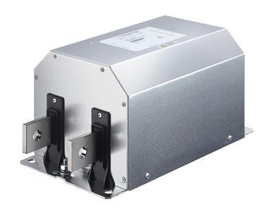 Kompakte DC Hochstrom EMV filter. Schaffner setzt neuen Massstab bei EMV-Filtern für Solarwechselrichter. EMV-Filter leisten auf der DC-Seite von Solarwechselrichtern einen wertvollen Beitrag zur Einhaltung der Normen und erhöhen die Systemzuverlässigkeit. Mit der Einführung der neuen Serie FN 2211 und FN2210 stellt Schaffner einmal mehr die kompakteste Lösung in dieser Klasse vor. Sie basiert auf der Verbindung innovativer Technik mit der grossen weltweiten Applikationserfahrung und setzen damit einen neuen technologischen Design-Massstab