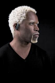 Cool und dezent: Das neue Jabra STONE Bluetooth-Headset
