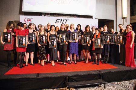 """Die Gewinnerinnen der """"Women of the Year Awards"""" auf dem Fachkongress für Frauen in der IT-Branche / Foto: Vogel IT-Akademie"""