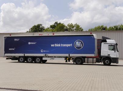 Für die russische Spedition Sovtrastavto LLC aus Moskau wurden zwei Fliegl RoadRunner mit einer umfassenden Systemlösung aus der BPW Gruppe ausgestattet. Bild: Fliegl Fahrzeugbau GmbH