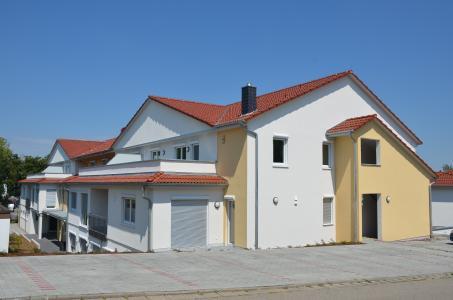 Holz on top: Das neue Seniorenheim in Diespeck bei Neustadt a. d. Aisch besteht aus mehreren Gebäuden, die in drei Bauabschnitten von 2017 bis zum Sommer 2018 errichtet wurden. Foto: Achim Zielke für GIN/KRUG