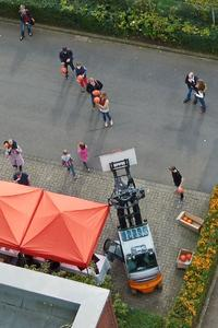 Bei der Jubiläumsfeier von STILL in Hannover konnte man auch sportlich aktiv werden, u.a. beim Basketball spielen – wobei hier die Korbhöhe selbst bestimmt werden konnte / Foto: STILL GmbH