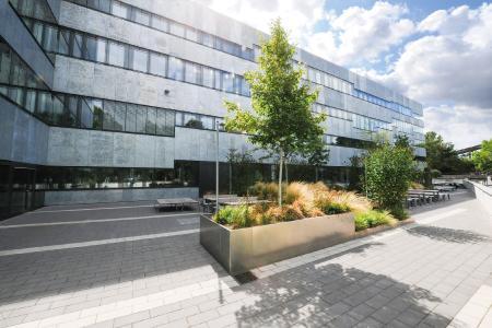 Auf dem Gelände der Zeche Zollverein in Essen befindet sich das Quartier Nord der Folkwang Universität der Künste.