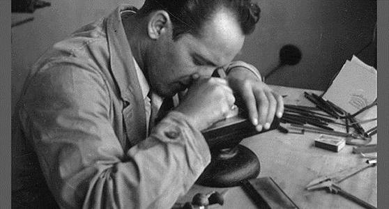 Wilfried Philipp at engrav-ing a printing plate (approx. 1960)