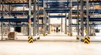 """Modernste Regalsysteme und Maßnahmen wie eine """"Multi-Order-Kommissionierung"""", papierlose Logistikabwicklung oder konsequente Wegeoptimierung tragen zu nachhaltigen Zeiteinsparungen bei und beschleunigen die täglichen Prozesse"""