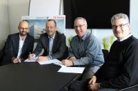 V.l.n.r.: Carsten Schneider, Real Estate Management Pharmaserv; Thomas Janssen, Geschäftsführer Pharmaserv; Craig Shelanskey, Geschäftsführer CSL Behring; Dr. Johannes Krämer, Engineering CSL Behring