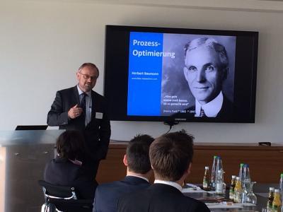 """Auf den Veranstaltungen der Vortragsreihe """"Executive Essentials 2016"""" von  EO Deutschland tauschten sich Vortragende und Teilnehmer über Prozessoptimierung aus"""