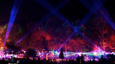 FOCON Showtechnic - PR-Lighting und Expolite beleuchten das  Wonderland Open Air 2013