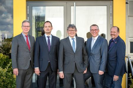 Die Redner (von links: Dr. Jan Stefan Roell, Jan Molter, Horst Mischke, Daniel Schwind, Markus Hennemann)