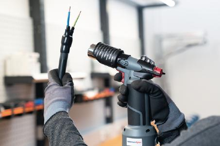 The gas-powered CHG900 cordless heat gun is designed for heat processing wherever electric power is not readily available