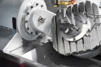 Ein großes Anwendungsgebiet von powRgrip ist bei Kröger die Elektrodenfertigung – hier mit PG6, 4-mm-Durchmesserspannzange und 1-mm-Kugelfräser