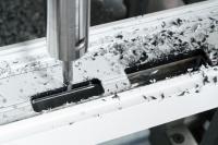 Auch bei einem Modellwechsel des Türöffners in der laufenden Produktion muss eine automatisierte Fräse nicht umprogrammiert werden