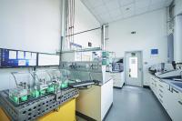 BU 2: Teil des neuen Metall-Laserschmelzzentrums ist ein Labor zur Untersuchung von Material sowie gefertigter Proben