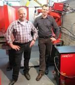 """Fig. 3: Albert Thömmes, production manager for aluminium components (left): """"Our power source/robot team does just what we demand of it - shift after shift"""""""