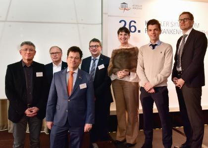 von links nach rechts: Herr Dr. Matthias Fellhauer (Villingen-Schwenningen), Herr Rudolf Bernard (München), Herr Dr. Jochen Schnurrer (Essen), Herr Bernd Rohleder (BBM AG), Frau Prof. Irene Krämer (Mainz), Herr Kim Green (Heidelberg), Herr Dr. Jörg Brüggmann (Berlin)