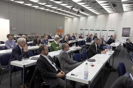 Großer Zuspruch: 60 Vertreter heimischer Unternehmen kamen nach Marburg, um sich über das Thema Cloud-Computing während des ersten regionalen IT-Symposiums zu informieren