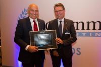 Staatssekretär und Thüringens CIO Dr. Schubert gratuliert PDV-Manager Volker Kadow zum Award (v.r.n.l.)