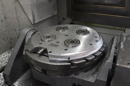 Auf der DMG-Maschine macht sich die durch das AMF-Nullpunktspannsystem K20 gewonnene Flexibilität besonders bemerkbar.