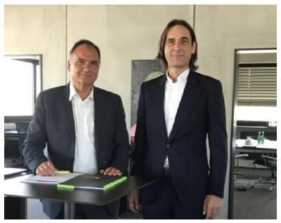 """s.i.g-Geschäftsleitung, Guido Fetzer (r.) und Eugen Straub: """"Wir sind stolz, mit der BayBG einen renommierten Partner zur Stärkung unserer Eigenkapitalseite gewonnen zu haben"""""""