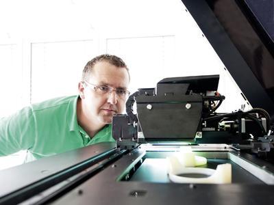 Rapid Prototyping: Pöppelmann K-TECH zeigt auf der FAKUMA 2015 neue 3D-Druck-Verfahren, um Werkzeugmuster für Spritzgussteile zu erstellen
