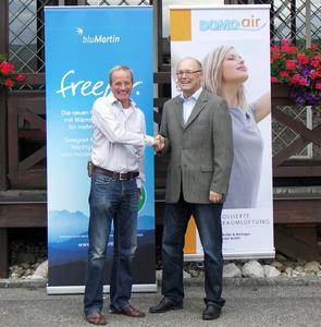 Gute Basis: Bernhard Martin von bluMartin (li.) und Reinhard Starl, domo-sanifer, blicken auf eine erfolgreiche Partnerschaft