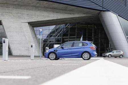 BMW 225xe Zentralgebäude
