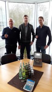 Herr Grünewald (Geschäftsführer Grünewald), Jan Hilgenberg (amexus) und Herr Hubbeling (Getränke Grünewald)