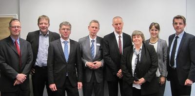 Jürgen Valentin, 2.v.l., mit weiteren Mitgliedern des Lenkungskreises