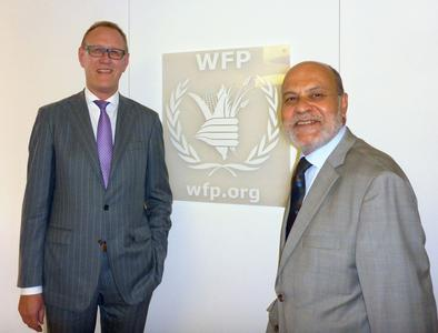 BLG-Chef Frank Dreeke (links) und Ramiro Lopes da Silva, Assistant Executive Director for Operations Services beim WFP, in Rom