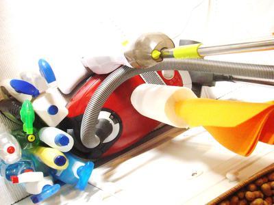 Schlummernde Reinigungsgerätschaften und Putzmittel sind nicht  unbedingt ein Indiz dafür, dass nicht gearbeitet wurde. Der korrekte Nachweis sollte mandantenfähig sein