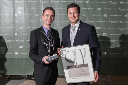 Die Netzkern Vorstände Daniel Schulten und Thomas Golatta nehmen den Wuppertaler Wirtschaftspreis 2012 entgegen (Foto: Günter Lintl)