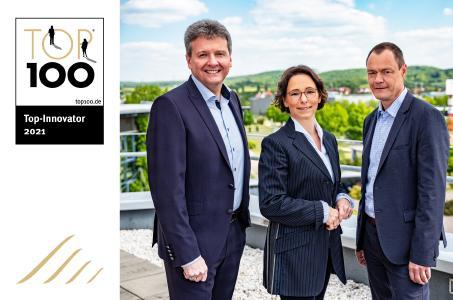 Die IBYKUS-Vorstände sind stolz auf die erhaltene Auszeichnung (v.l.n.r.: CEO Thomas Winter, CFO Nikola Spannaus, COO Eckehart Klingner). Foto: Carlo Bansini Fotodesign