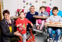 Fr. Greulich, Bereichsleitung der Heilpädagogisch-therapeutischen Tagesstätte für mehrfach behinderte Kinder und Hr. Fischer