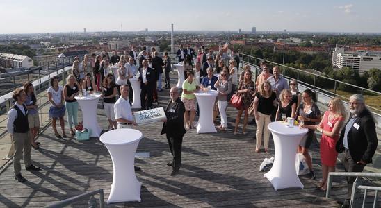 Partner, Kunden und Freunde gratulierten hoch über den Dächern Münchens zum 15. Jubiläum