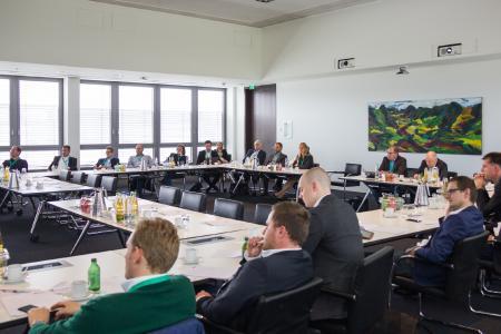 Rund 40 Teilnehmer besuchten das erste Expertenforum Digital Business und waren sich einig: diese Veranstaltung lohnt sich. Bild: Sybit