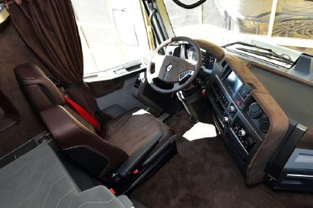 edler renault trucks t 520 spielt in kult serie mit. Black Bedroom Furniture Sets. Home Design Ideas