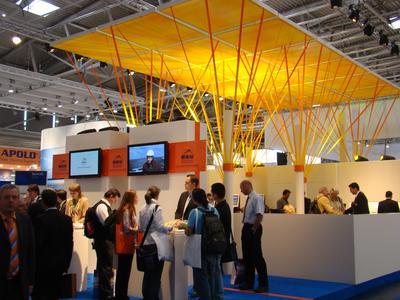 Intersolar 2008: größere Messehallen in München - beieindruckendere Messestände der Aussteller