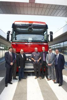 from left to right, Marc Martinez Vice-President of Renault Trucks France, Eric Bruyere head of Barriac,  Renault Trucks dealership in Castres, Robert Chabbert, president of Transports Robert Chabbert, Gérard Delin, operator in the Bourg-en-Bresse plant, Frédéric Brun Vice-President of Bourg-en-Bresse plant, Michel Girod, Vice-President of Commercial Vehicules Renault Trucks and Bruno Blin, Vice-President of Renault Trucks.