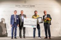 Lasse Landt (2. v.r.), CFO der Pamyra GmbH, nimmt den Preis für den 2. Platz beim Digital Logistics Award entgegen (Bildquelle: Fraunhofer IML)