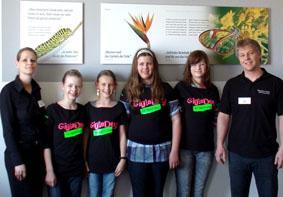 Kai Reinhard (rechts) und Stéphanie Naujock (links) begleiteten die Mädchen auf dem Girls' Day 2010 bei der Micromata