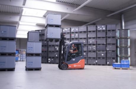 Die ELSEN Logistik GmbH verantwortet die produktionsbedingte Logistik sowie den Warenein- und Warenausgang des Automobilzulieferers Megatech Automotive Europe GmbH in Waldbröl / Foto: ELSEN
