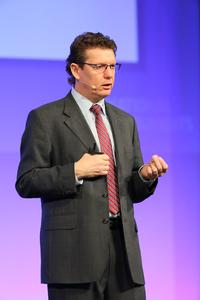 Francis Griffiths, Senior Vice President, Regional Sales and Marketing bei NI