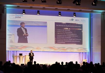 Domain pulse 2012 Keynotespeaker Gunter Dueck