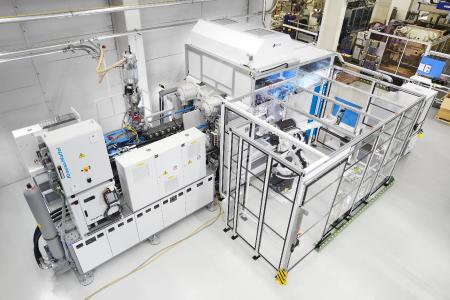 A KraussMaffei production cell equipped for In-Mold Decoration (Photo: KraussMaffei)