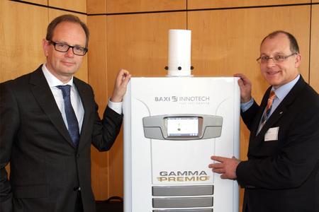 Technisch die Hausaufgaben gemacht: Baxi Innotech-Geschäftsführer Guido Gummert verweist in seinem ISH-Vortrag auf höchsteffiziente Wirkungsgrade mit seinem Brennstoffzellen-Heizgerät, der GAMMA PREMIO